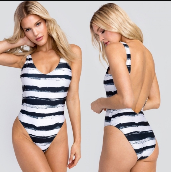 Wildfox Other - NWT Wildfox Mascara One Piece Swimsuit Small